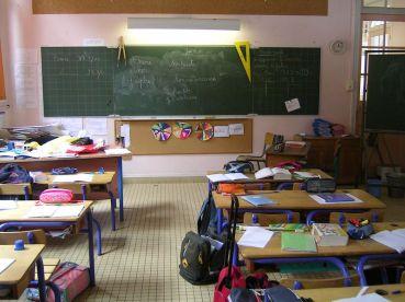 école salle de classe instruction en famille contrôle